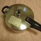 [ 無料 ] 圧力鍋 直径約25センチ