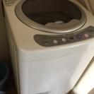 3キロ洗濯機、冷蔵庫68L、コタツ、学用イスもあります。