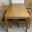 【無料】テーブル・椅子セット