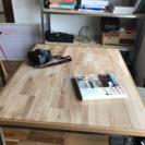 無垢の楢のフローリングで作ったテーブルの天板です