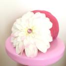 GiGiS(ジジス)お花のコサージュ付きヘルメットカバー