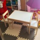 IKEAイケアLATT子供用テーブル椅子二脚付き