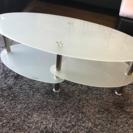 おしゃれなガラステーブル、じゅうたんも可能