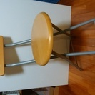 折りたたみ椅子 3脚 丸椅子4脚。