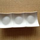 白い角皿2枚