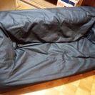 黒の合皮ローソファー