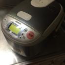 炊飯器 ZOJIRUSHI NS-LB05