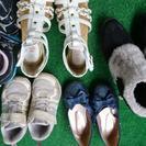 スニーカー、ブーツ、ストラップ