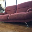 片足壊れたソファー