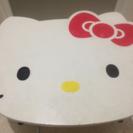 訳あり家具。キティーちゃんの形のテーブル