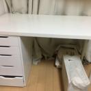 IKEAの机