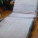 【代理出品】折りたたみ式移動型ベッド 被災された方は無料(配送します)