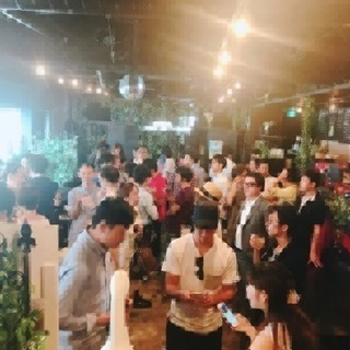 業界初!!渋谷 100人カフェ会!朝活!
