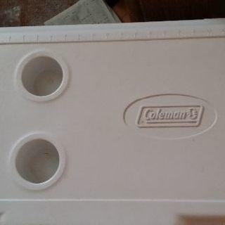 アウトドア Colemanのクーラーボックス大きめです 未使用