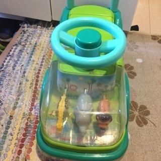 幼児用足けりカー
