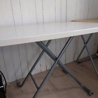 テーブル高さ調節可能
