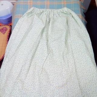 160ぐらい? 小花柄スカート リメイク品