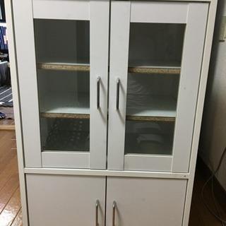 ニトリの食器棚ホワイト