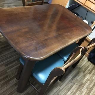 【9月頭に取引‼︎】重圧感のあるナチュラルダイニングテーブル 4脚