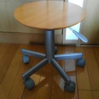 無印良品製・キャスター付き丸椅子