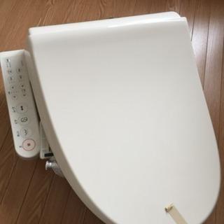 2013年製TOSHIBA温水洗浄便座