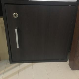 鍵付き収納ボックス