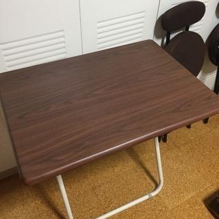 簡易テーブルと椅子1脚セット