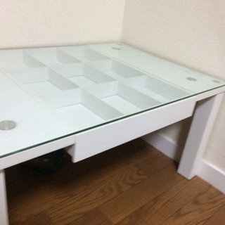 コレクションガラステーブル