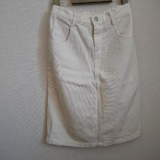 秋コーデ☆白のデニムタイトスカート