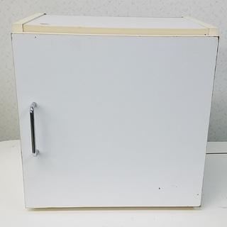 収納箱★棚付き★扉付き★キューブボックス