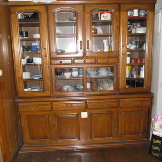 おおきな食器棚
