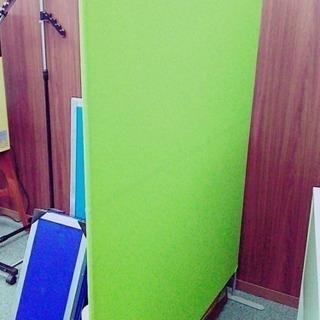 パーテーション 120×160(㎝) 数量1台 みどり色カバー 自立式