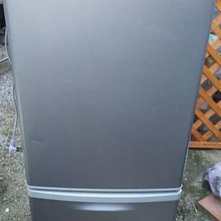 冷凍冷蔵庫 パナソニックNR-B142WーN形