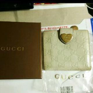 GUCCIシマレザーホワイト二つ折り財布