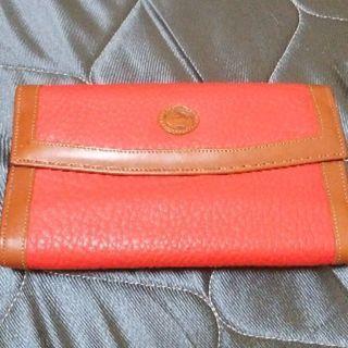 女性向けの長財布(ボタン式)