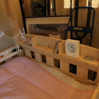 白木の二段ベッド