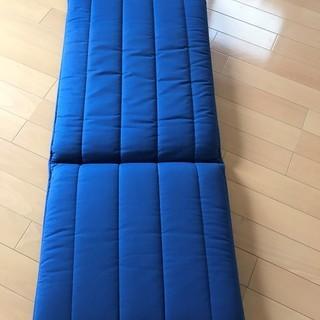 IKEA POAGアームチェアとオットー用シート(青)