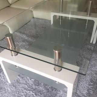 美品ガラステーブル