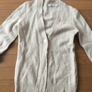 ユニクロ セーター カーディガン 薄い茶色