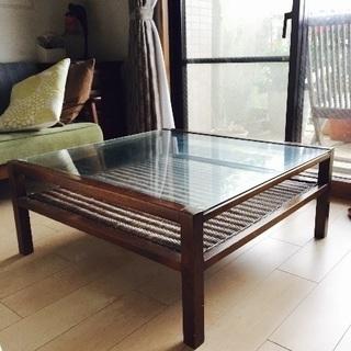 バリ風ガラステーブル