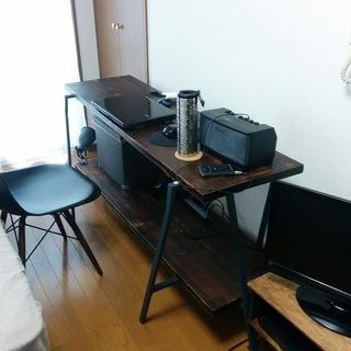 オシャレな作業デスク /カフェテーブル/収納デスク/机/テーブル