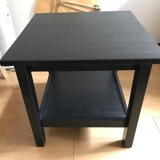 サイドテーブル差し上げます。