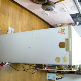 小型冷凍庫を無料で差し上げます