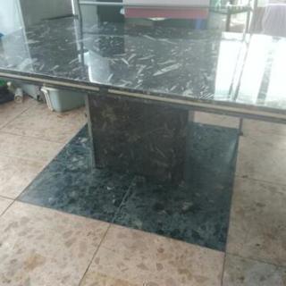 大理石ダイニングテーブル