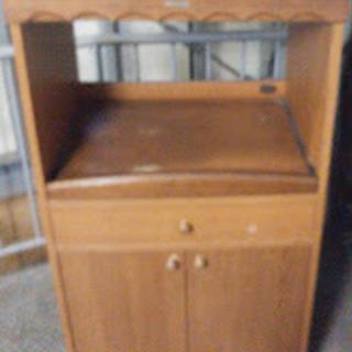 レンジ台と食器棚の一体型?