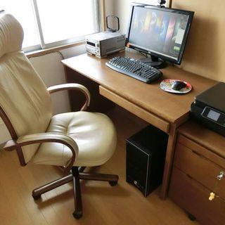 カリモク(刈谷木材)のデスク一式/机・袖机・椅子のセットです。