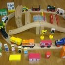 木製の鉄道、その他。三芳町での受け渡しで、お譲りいたします。