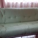 オリ-ブグリーンのソファベッド