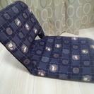 終了しました☆無料 和風ウサギ柄 紺色座椅子 美品