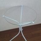 涼しげ!ガラスのテーブル